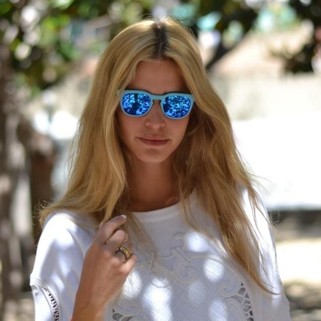La famosa fashion blogger miss mass sceglie occhiali da sole spektre memento audere semper - Occhiali da sole specchiati spektre ...